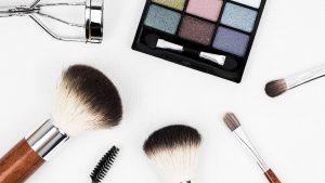 pruebas-de-cosmeticos-kit-de-maquillaje